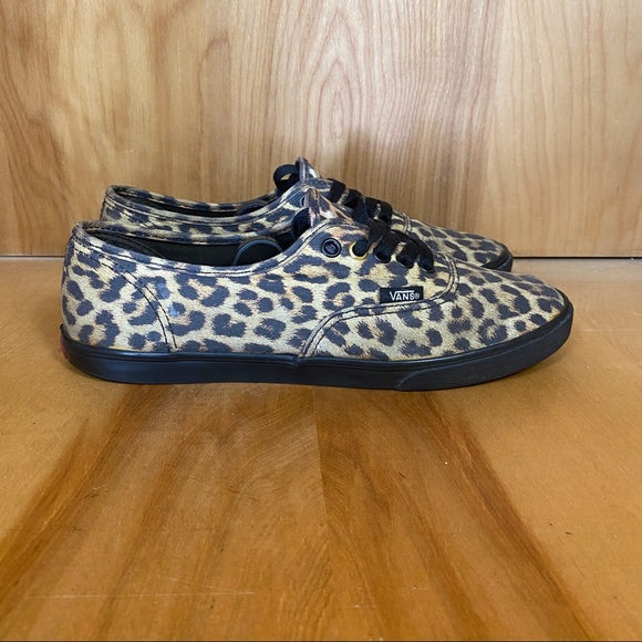 Vans Leopard Print Sneakers TSS0636